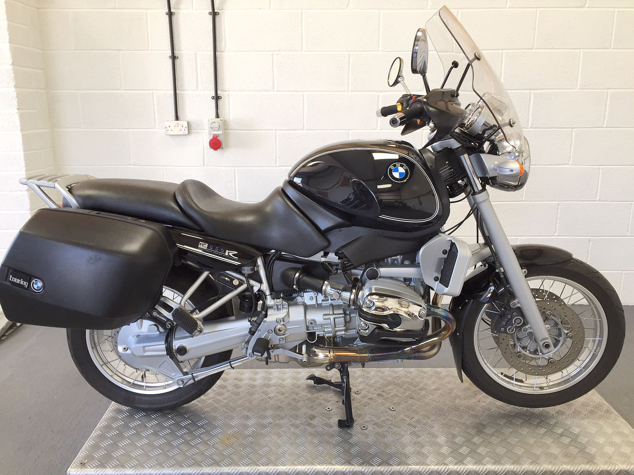 bmw r850r c classic sold to keith in paris. Black Bedroom Furniture Sets. Home Design Ideas